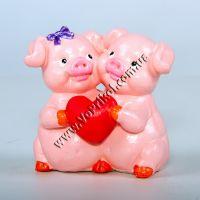 "Статуэтка ""Свинки пара любовь"""